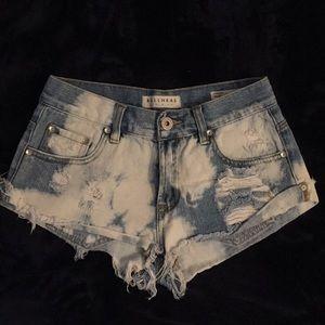 Size 1, Bullhead Slouchy Shorts